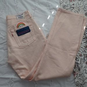NWOT Levi's pink jeans
